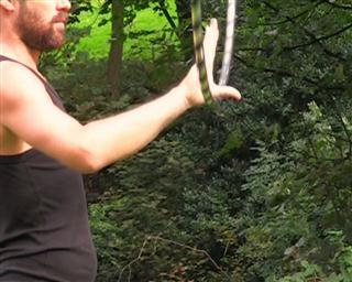 hooping thumb circle
